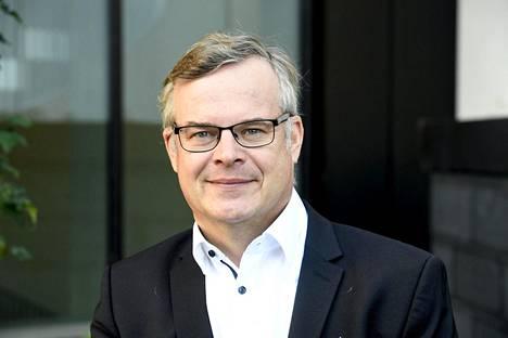 HUSin diagnostiikkajohtaja Lasse Lehtonen nostaa esiin, ettei korona ole lamauttanut suomalaista terveydenhuoltojärjestelmää koko pandemian aikana.