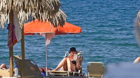 Kreetalle pääsee auringon lämmöstä nauttimaan 2154 eurolla.
