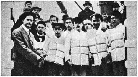 Titanicilta selvisi vain reilu 700 ihmistä. Yli 1500 ihmistä kuoli laivan upotessa.