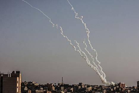 Gazasta ammuttuja raketteja, joiden kohteena olivat israelilaiset kaupungit.