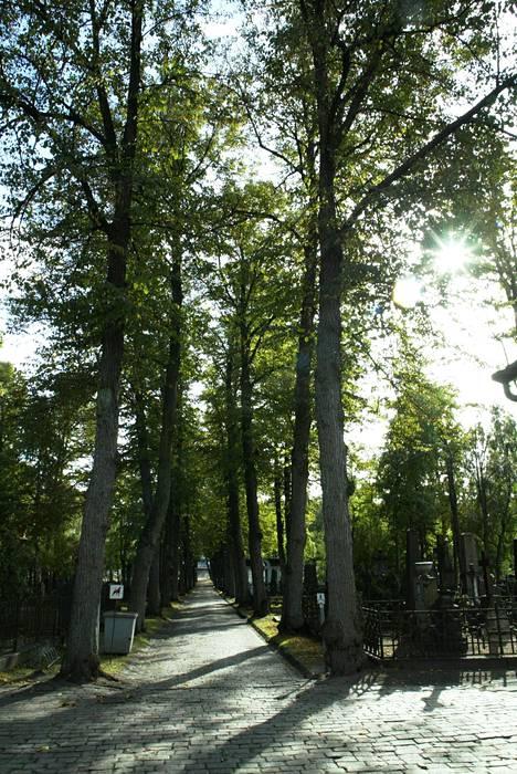 Helsingin ortodoksinen hautausmaa on perustettu vuonna 1815.
