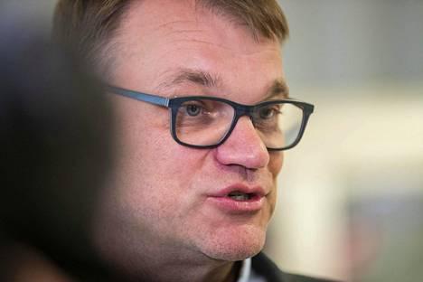 Suurituloisimpien keskusteluissa esimerkiksi Juha Sipilä nousi esille aluksi luotettavana.