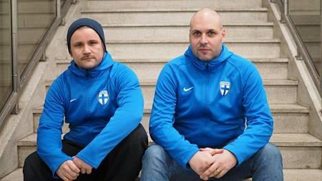 Joona Koivula (vasemmalla) ja Raoul Söderlund edustivat turnauksessa Suomea kahden muun pelaajan kanssa.
