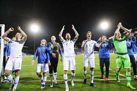 Suomi juhli kesäkuussa voittoa Liechtensteinista Rheinpark-stadionilla Vaduzissa.