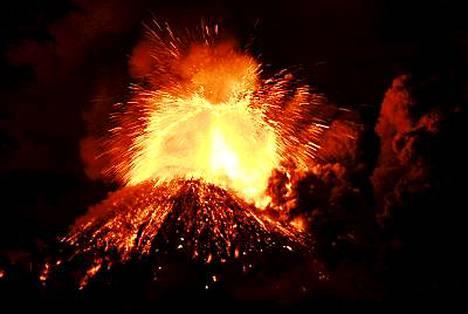 Chilessä sijaitseva tulivuori Llaima alkoi purkautua tiistaina.