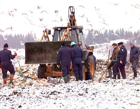 Vainajan osien etsinnät kaatopaikalla kestivät viikkoja.