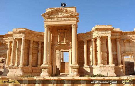 Islamistivaltion Isis-terroristit ovat miinoittaneet muinaisen Palmyran kaupungin. Kaupunki on Unescon maailmanperintökohde.