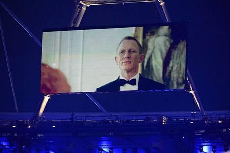 Daniel Craig nähtiin James Bondin hahmossa myös Danny Boylen ohjaamassa Lontoon olympialaisten avajaisissa vuonna 2012.