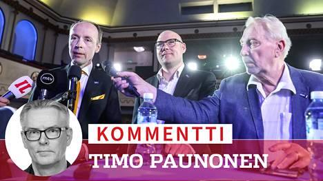 Jussi Halla-aho, Simo Grönroos ja Matti Putkonen jännittivät vaalitulosta Apollossa Helsingissä.