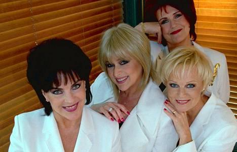Supersuosittuun Leidit lavalla -ryhmään kuuluivat Koivuniemen lisäksi Marion Rung, Lea Laven ja Katri Helena Kalaoja.