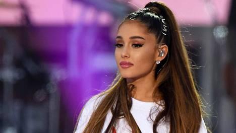 Ariana Grande järjesti hyväntekeväisyyskonsertin Manchesterin iskun uhrien muistoksi.