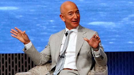Amazon-miljardööri Jeff Bezos lahjoittaa 10 miljardia dollaria eli reilut 9,2 miljardia euroa ilmastonmuutoksen torjumiseen.