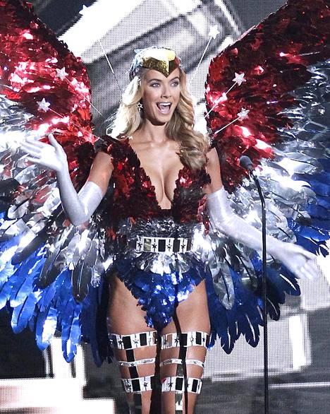 Miss USA:n Olivia Jordanin asun kruunasivat näyttävät siivet.