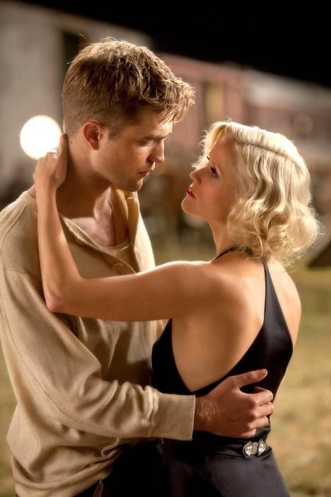 Robert Pattinson ja Reese Witherspoon.