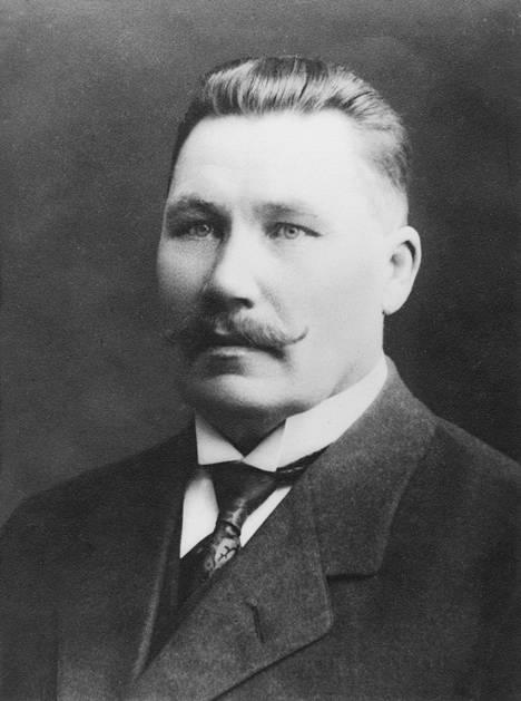 Ylhäällä Karl Fredrik Joutsen (1865–1948) ja alemmassa kuvassa Anton Fabian Johnson (1868–1942).