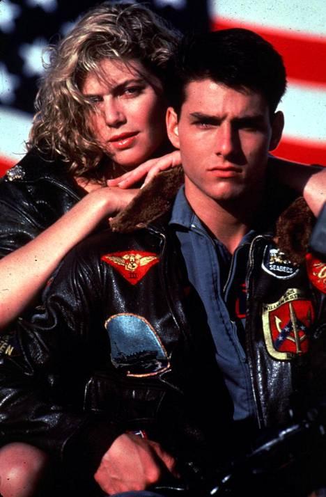 Kelly McGillis ja Tom Cruise Top Gun -elokuvassa.