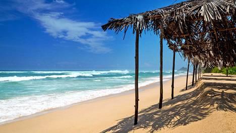 Sri Lankaan voi matkustaa mihin aikaan vuodesta tahansa. Aina löytyy paikka, jossa paistaa.