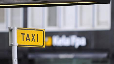 Kela-kyytien järjestäminen hiertää taksiyrittäjiä Salossa. Arkistokuva.