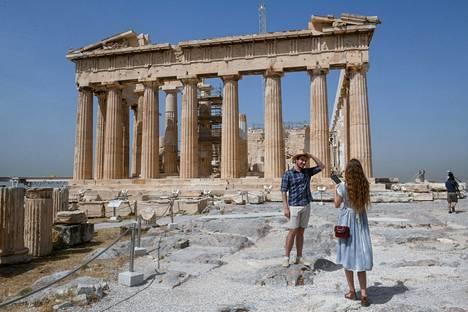 Ateenan Akropolis-kukkulalla oli vielä maanantaina varsin vähän matkailijoita.