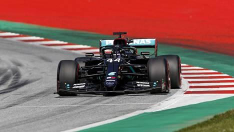 Lewis Hamiltonin asema lähtöruudukossa saattaa heikentyä.