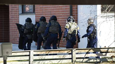 Oulun poliisilaitokselta vahvistetaan, että Kaijonharjun operaatio liittyy aiemmin torstaina tapahtuneeseen ampumavälikohtaukseen.