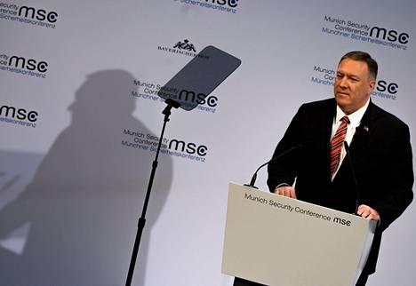 Mike Pompeo puhui Münchenin turvallisuuskokouksessa.