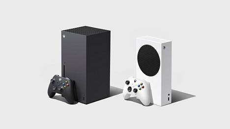 Vasemmalla oleva Xbox Series X on uuden konsoliperheen järeämpi versio.