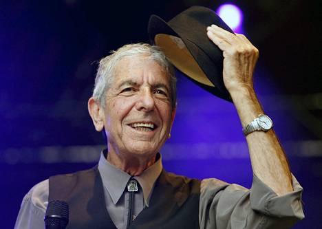 Leonard Cohen keikkaili ahkerasti 2000-luvulla.