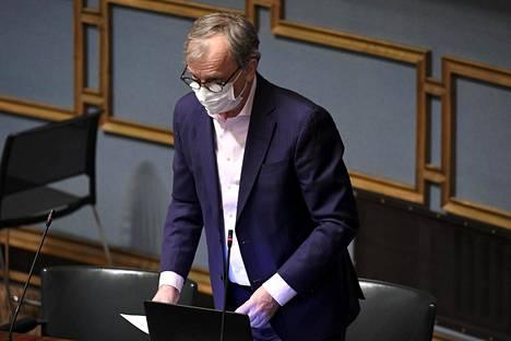 Liike nytin Harry Harkimo katsoo hallituksen esityksen sotivan kilpailulainsäädäntöä vastaan.