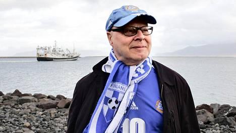 Jari Karppinen on kulkenut Suomen jalkapallomaajoukkueen mukana jo 20 vuotta.