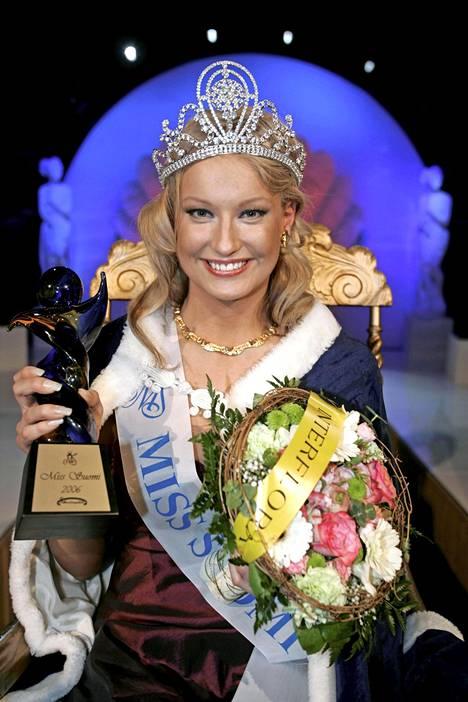 Ninni Laaksonen valittiin Miss Suomeksi 2006.