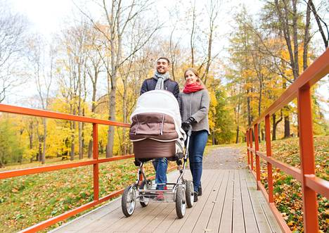 Älä anna töiden ja lastenhoidon imeä elämääsi kuiviin. Suhde pysyy paremmassa hapessa, kun molemmat kantavat vastuun omasta hyvinvoinnistaan – myös siitä, että oma energia riittää rakkaudesta ja vapaa-ajasta nauttimiseen.