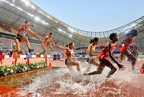 Yleisurheilukilpailut eivät ole aiemmin juuri innostaneet qatarilaisyleisöä. Kuva Aasian mestaruuskisoista huhtikuulta.