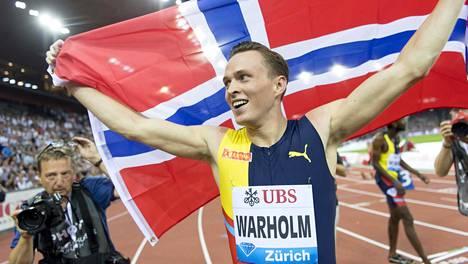 Karsten Warholm juoksi torstaina Zürichissa historian toiseksi nopeimman aidatun ratakierroksen.