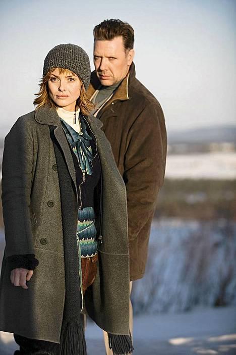 Naispääosaa Aurinkomyrskyssä näyttelee Izabella Scorupco.