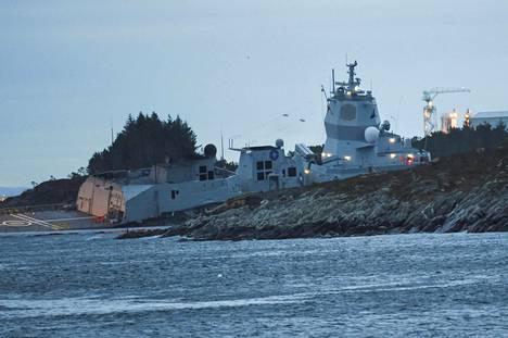Helge Ingstad törmäsi tankkeriin Norjassa.