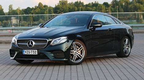 Mercedes-Benzin E-sarjan perään kuolaa moni.