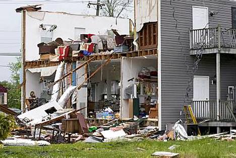Virginiaa riepotellut myrsky on tuhonnut useita rakennuksia.