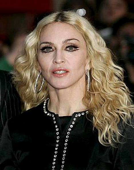 Madonna myöntää olevansa surullinen avioeronsa takia.