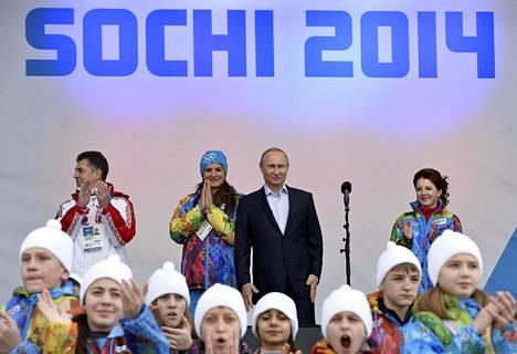 Vladimir Putin vieraili Sotshissa ennen olympialaisia.
