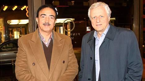 Irakilaiskenraali Saad al-Obaidi ja Peter Fryckman osallistuivat Nelson Mandela -elokuvan ensi-iltaan Helsingissä vuonna 2014.