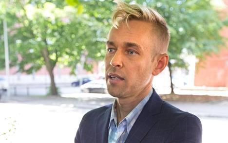 Oikeudessa käsiteltiin muun muassa asianajaja Juha-Pekka Hippiin kohdistuneita epäilyksiä, joiden mukaan tämä olisi toiminut työssään päihtyneenä.
