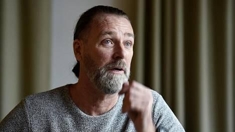 Patrik Sjöberg kärsii yhä seksuaalisen hyväksikäytön aiheuttamista traumoista.