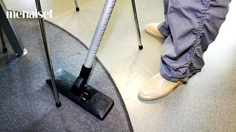 Järjettömän helppo imurikikka mullisti Hannin kodin siivouksen – nyt viikkosiivousta ei enää tarvita