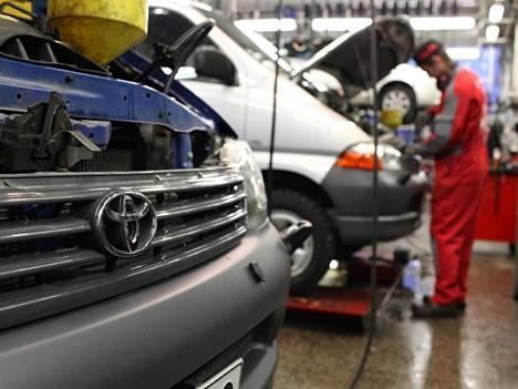 Toyota-korjaamot valmistautuvat pian vuoden suurimpiin takaisinkutsukampanjoihinsa henkilöautoista.
