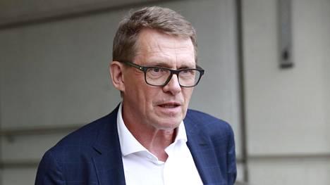 Finanssikriisinjälkeinen pitkä häntä alijäämässä johtui pitkälti siitä, että Suomen vienti romahti, Matti Vanhanen muistuttaa.