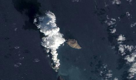 Nasan maapalloa tutkiva Earth Observing-1 -satelliitti kuvasi tulivuorenpurkauksen teräväpiirtokamerallaan.
