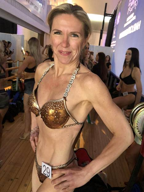 Mervi Forsström aikoo vain vuoden treenaamisen jälkeen nousta lavalle bikini fitness masters SM 45 -sarjassa.