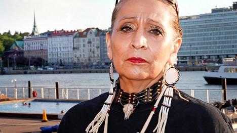 LaDonna Brave Bull Allard vieraili Helsingissä viikko sitten.