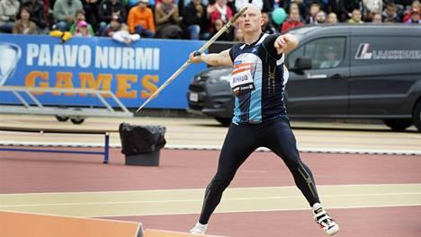 Teemu Wirkkalan voittokaari kantoi yli 81 metriä.
